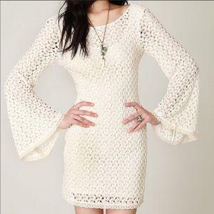 Free people crochet bell sleeve dress size S🌺